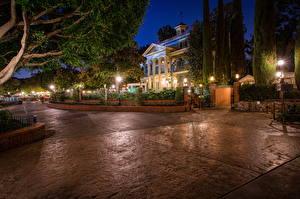 Hintergrundbilder USA Disneyland Park Haus Kalifornien Anaheim Design HDRI Nacht Stadtstraße Straßenlaterne Bäume Städte