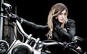 Fotos Motorradfahrer Jacke Blond Mädchen Motorrad Mädchens