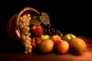 Photo Still-life Apples Grapes Pears