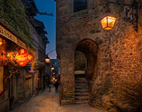 Bakgrunnsbilder Frankrike Hus Gate Natt Gatelykter Mont Saint Michel en by