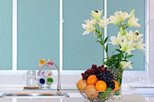 Wallpapers Still-life Lilium Fruit Orange fruit Grapes Vase Flowers Food