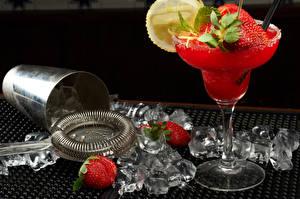 Bilder Getränke Cocktail Erdbeeren Eis Lebensmittel