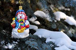 Fotos Feiertage Neujahr Schneemänner Schnee Tannenbaum Ast