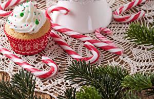Hintergrundbilder Feiertage Neujahr Süßware Törtchen Bonbon Ast Lebensmittel