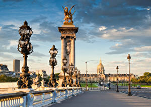 Bakgrunnsbilder Frankrike En bro Himmel Paris Gatelykter byen
