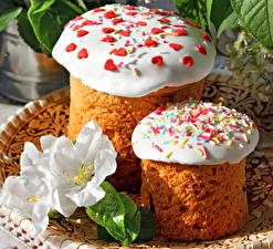 Wallpaper Holidays Easter Pastry Tulip Kulich Icing sugar Two Food