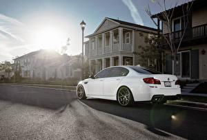 Images BMW Building White Asphalt m5, f10 Cars Cities