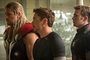 Fotos Thor Held Captain America Held Robert Downey Jr Chris Evans Chris Hemsworth Vingadores: Era de Ultron, 2015 Film Prominente