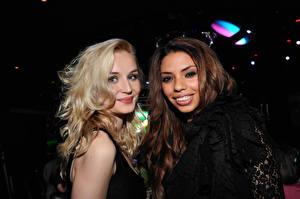 Bakgrunnsbilder Polina Gagarina Blond jente To 2 Brunt hår kvinne Unge_kvinner Musikk
