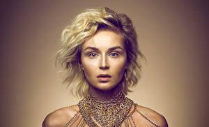 Bakgrunnsbilder Polina Gagarina Blond jente Blikk Ansikt Unge_kvinner Musikk