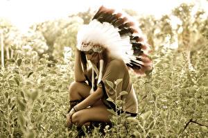 Bilder Federn Warbonnet Indianer Gras Mädchens