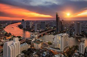 Sfondi desktop Thailandia Cielo Grattacieli La casa Ponte Fiume Alba e tramonto Bangkok Città
