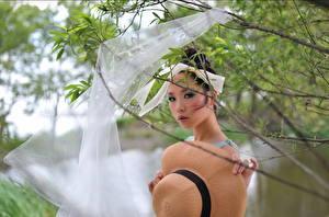 Hintergrundbilder Asiatische Starren Der Hut Ast Mädchens
