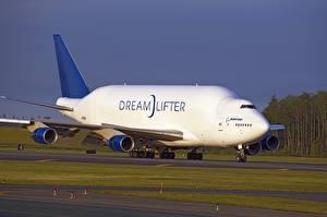 Fotos Flugzeuge Boeing Transportflugzeuge Boeing 747 Dreamlifter