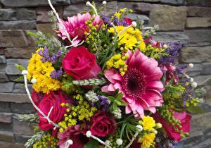 Bilder Blumensträuße Rose Nieswurz Gazania Lavendel