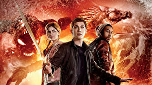 Fonds d'écran Démons Trois 3 Épée Adolescent Percy Jackson Sea of Monsters, Logan Lerman, Alexandra Daddario, Annabeth, Brandon T. Jackson, Grover Cinéma Fantasy Célébrités Filles