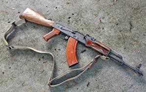 Fotos Sturmgewehr Großansicht Kalaschnikow