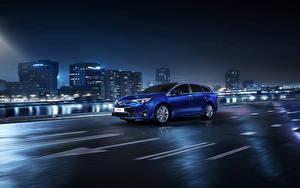 桌面壁纸,,丰田汽车,房屋,晚上,蓝色,2015 Avensis SW,汽车,城市