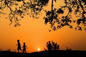 Hintergrundbilder Sonnenaufgänge und Sonnenuntergänge Himmel Ast Kinder Natur