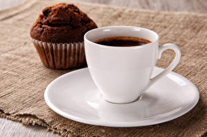 Photo Pastry Coffee Drinks Closeup Muffin Cup Saucer Food