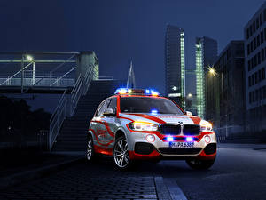 Pictures BMW Tuning Houses Night Front 2014 X5 xDrive30d Notarzt (F15) Cars Cities