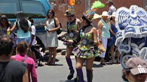Papéis de parede Carnaval e baile de máscaras Chile Pessoas Rua Valparaiso Cidades Meninas
