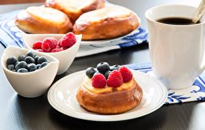 Wallpapers Coffee Pastry Closeup Blueberries Raspberry Cup Plate Food