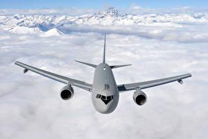 Hintergrundbilder Berg Flugzeuge Verkehrsflugzeug Boeing Wolke Boeing KC-767A