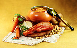 Bilder Fleischwaren Kartoffel Suppe Mohrrübe Großansicht Stillleben Löffel das Essen