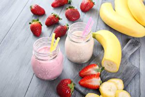 Wallpapers Drinks Juice Strawberry Bananas 2 Jar Food