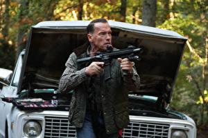 Bureaubladachtergronden Arnold Schwarzenegger Een man  film Beroemdheden