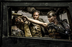 Hintergrundbilder Mad Max: Fury Road Charlize Theron Mann Tom Hardy Film Prominente Mädchens