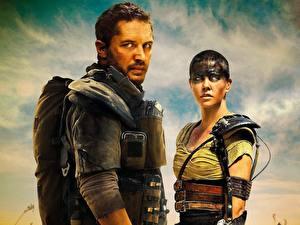 Bilder Mad Max: Fury Road Charlize Theron Mann Tom Hardy Film Prominente Mädchens