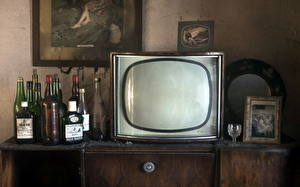 Wallpaper Antique Television Bottles Old