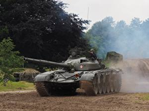Picture Tanks T-72 Tankfest 2015 Army