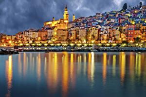 Bakgrunnsbilder Frankrike Bygninger Elver Elv Provence Natt Gatebelysning en by