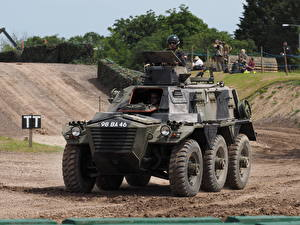 Photo Armoured personnel carrier Saracen, Tankfest 2015 military