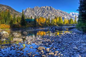 Hintergrundbilder USA Herbst See Flusse Gebirge Steine HDRI grand teton wyoming Natur