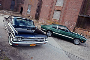 Photo Ford Two 1961 Galaxie Starliner 1972 Maverick Grabber auto