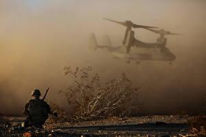 Fotos Soldat Wandelflugzeug Fallschirmjäger Heer Luftfahrt