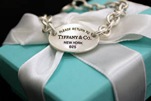 Wallpaper Closeup Jewelry Box Chain Ribbon Tiffany