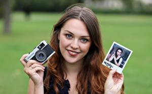 Hintergrundbilder Fotoapparat Blick Braune Haare Fotograf Imogen junge frau