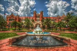 Hintergrundbilder Vereinigte Staaten Gebäude Springbrunnen Florida Bäume Wolke Rasen HDRI Tallahassee Florida State University Städte