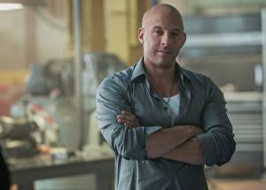 Bakgrundsbilder på skrivbordet Fast & Furious 7 Vin Diesel En man film Kändisar