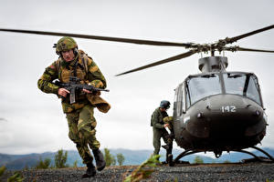Images Helicopter Soldiers Landing operation Norwegian Army military Aviation