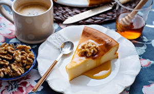 Fondos de escritorio Pastelón Café Nuez Miel Tarta de queso Cuchara Plato