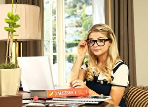 Image Blonde girl Eyeglasses Laptops Book Schoolgirl Stefanie Scott Girls