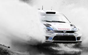 Fonds d'écran Volkswagen Eclaboussures Mouvement Rallye automobile Polo WRC Voitures Sport