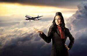 Bilder Flugzeuge Flugbegleiter Wolke Uniform Luftfahrt Mädchens