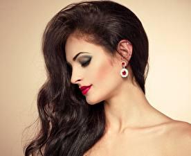 Fotos Make Up Haar Brünette Ohrring junge frau